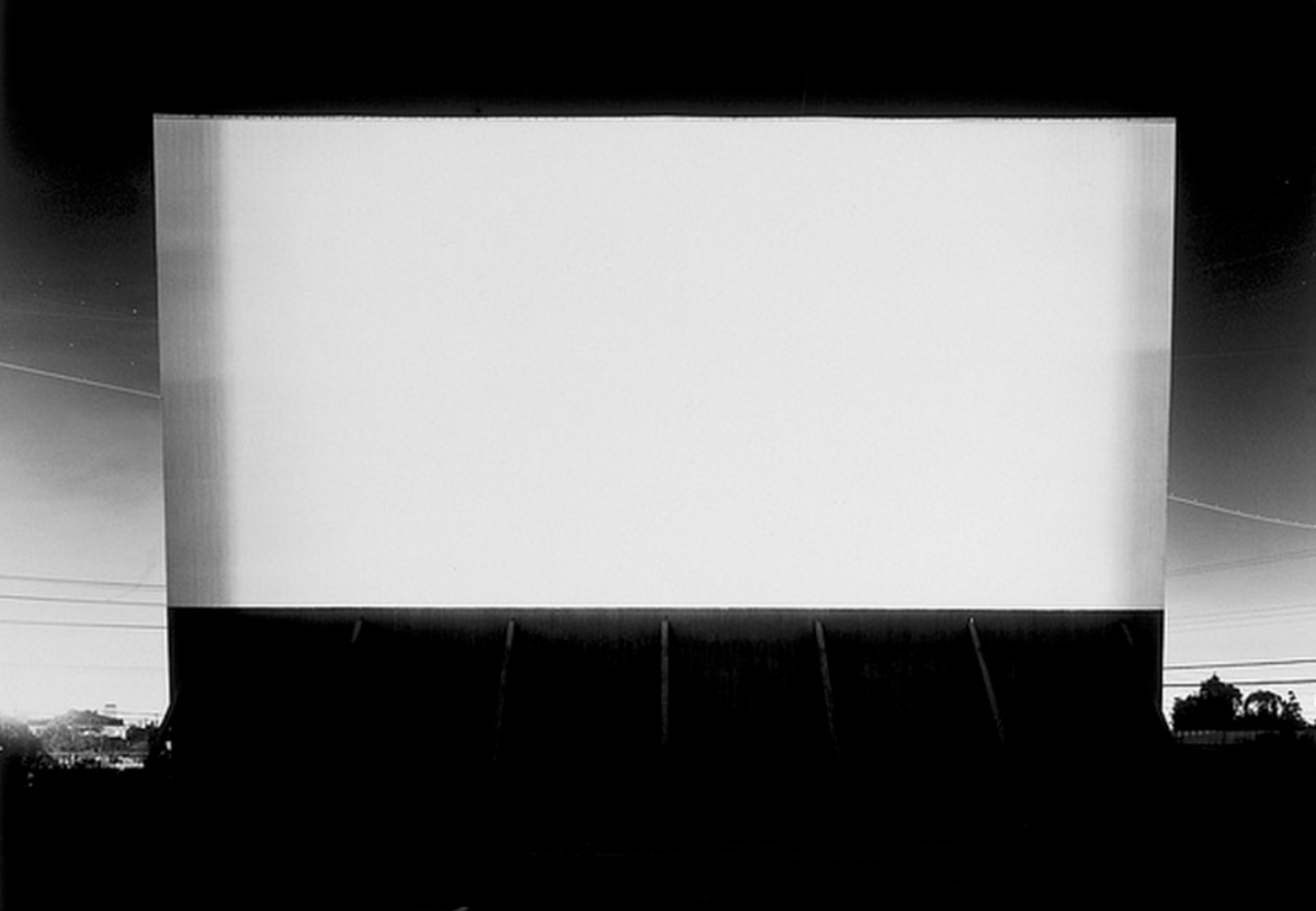 Hiroshi Sugimoto, Los Altos Drive-in, Lakewood, 1993 / Collection Frac Normandie Caen © Courtesy Sonnabend Gallery, New York